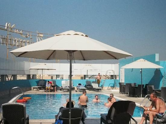 Grand Excelsior Hotel Bur Dubai : Roof Top Pool