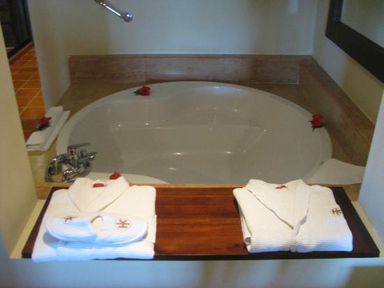 Catalonia Royal Bavaro: bathtub/no jets though
