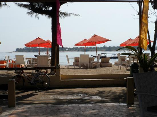 Laguna Gili Beach Resort: View from dining area