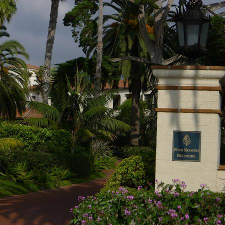Four Seasons Resort The Biltmore Santa Barbara: The entrance.