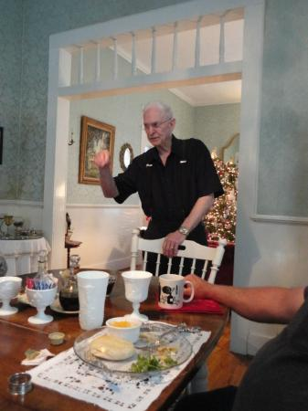 T'Frere's Bed & Breakfast: Pat entertaining us with one of his Cajun jokes