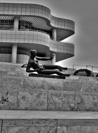 The Getty Center: Curves