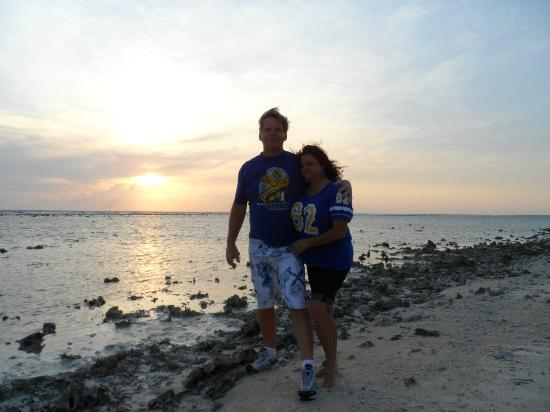 Laguna Gili Beach Resort: On the west side to watch sunset