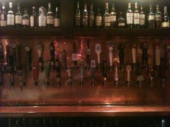 McNellie's Public House : tons on tap!