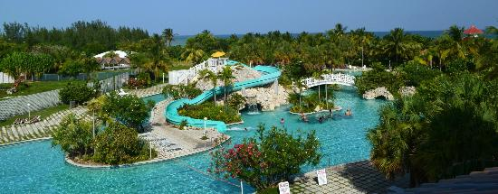 Taino Beach Resort & Clubs : A partial photo of the pool