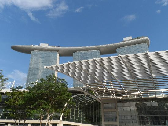 how to get up marina bay sands