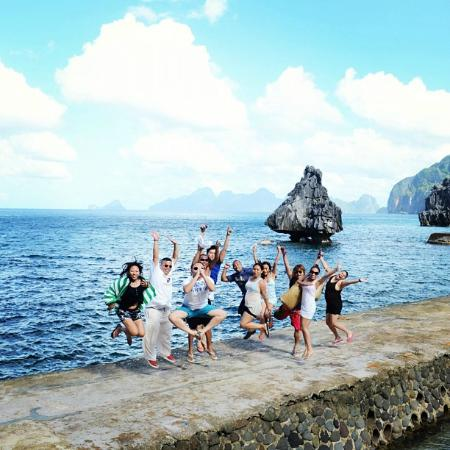 El Nido Resorts Miniloc Island: Jump shot at Lagen
