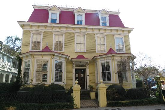 Barksdale House Inn: Main inn building