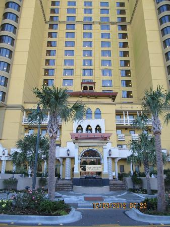 Anderson Ocean Club and Spa, Oceana Resorts: This is the front of the hotel.