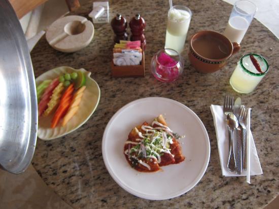 Capella Ixtapa: room service