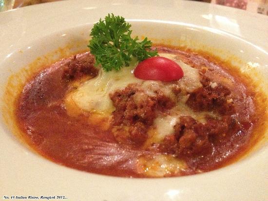 No. 43 Italian Bistro: lasagna