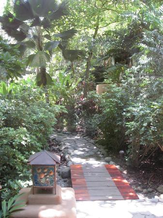 Florblanca Resort: more beautiful grounds