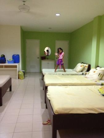 Sta. Fe Resort: huge room