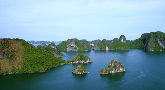 Trails of Mountain Travel : Increadible Ha Long Bay