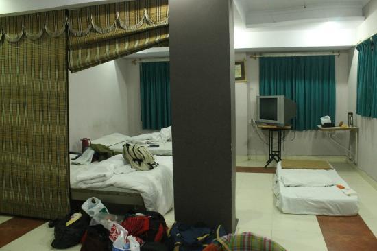 Hotel Kamal Regency: Room 108 (Family Suite)