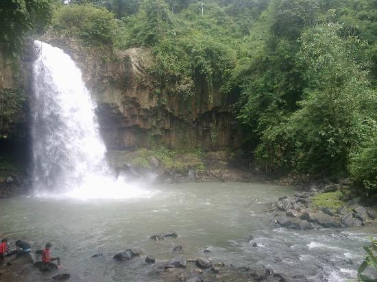 Padang Sidempuan, Indonesia: WATERFALL SIMARPINGGAN