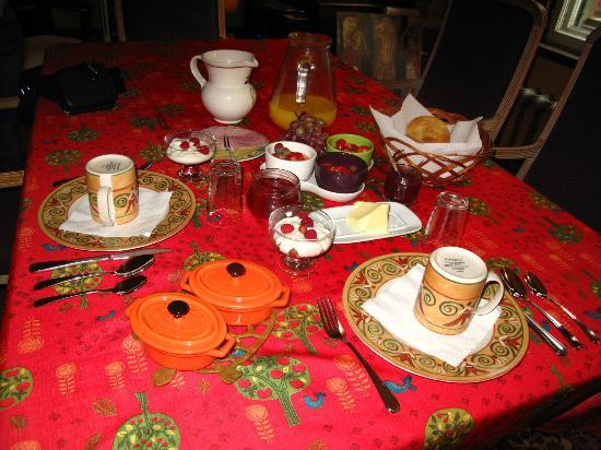 B&B La Marquise de Bassano: Beautiful breakfast