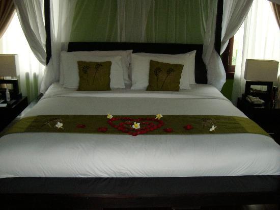 Bali Prime Villas: Bed