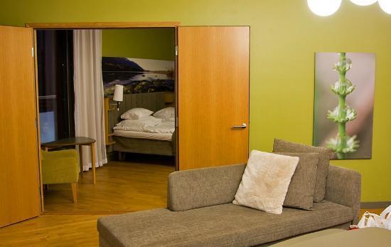 Break Sokos Hotel Levi: Bedroom from livingroom