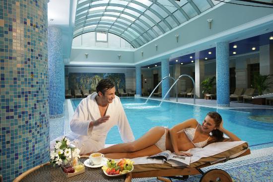 Premier Palace Hotel: Pool