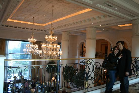 The Leela Palace New Delhi : overlooking the hotel's grand lobby