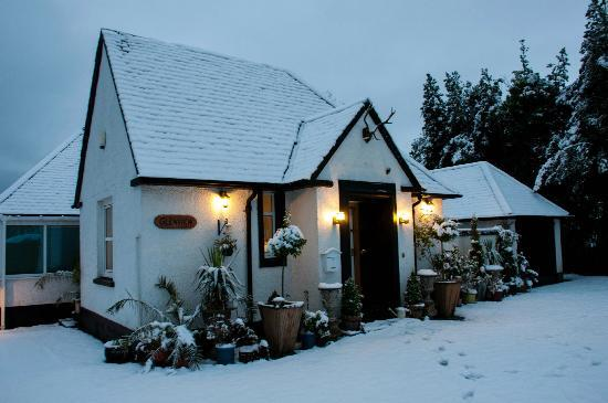 Glenview Luss - Self Catering and Bed & Breakfast: Glenview in the snow