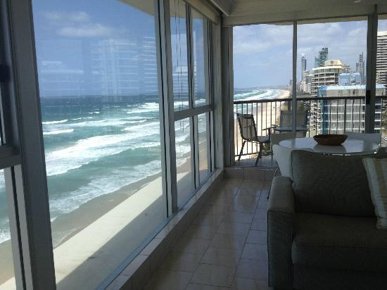 Golden Sands Holiday Apartments: Fab view's right on the beach