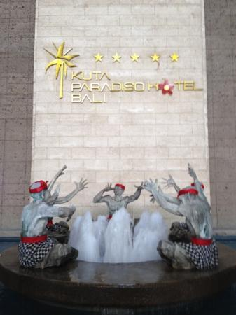 Kuta Paradiso Hotel: Hotel Lobby