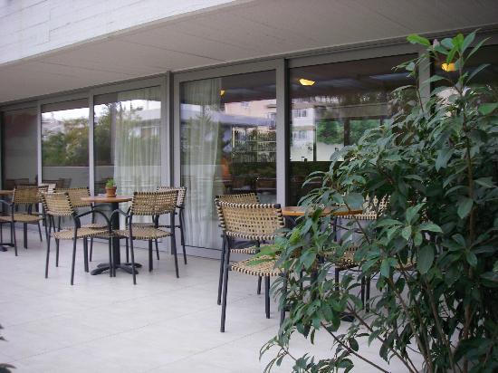 Amarilia Hotel: Veranda esterna