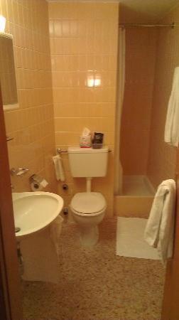 Hotel Astoria: salle de bains