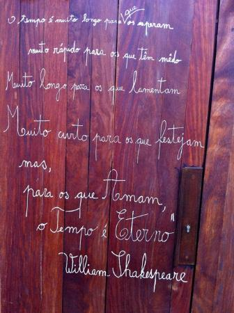 Areias do Seixo: Shakespeare on the door
