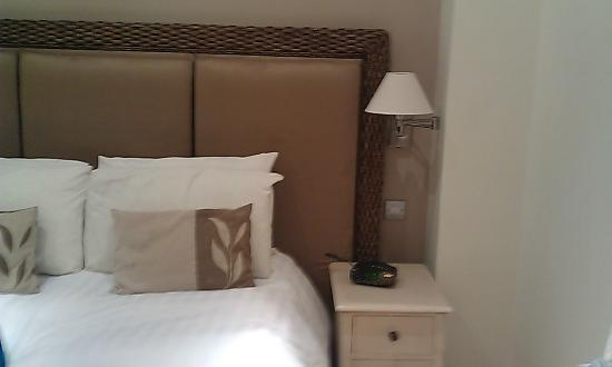 Hampshire Hotel: Bed