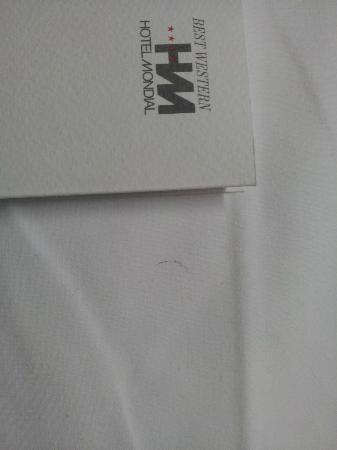 BEST WESTERN Hotel Mondial: there were hairs in and on the bed.