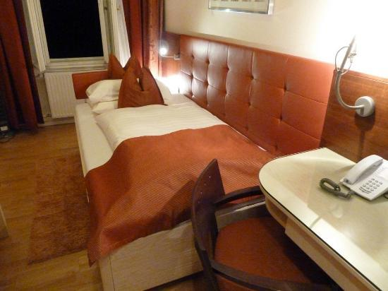 Hotel-Pension Baronesse: The Single Room