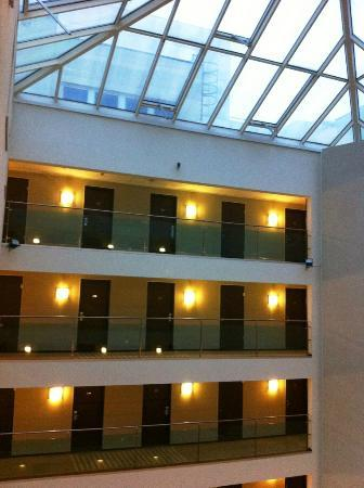 NH Budapest City: View of rooms from the Atrium