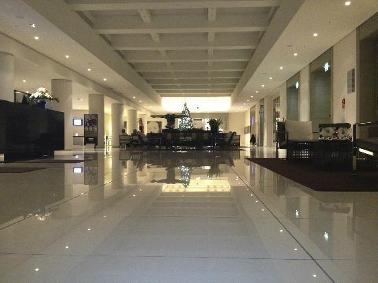 foyer bild von h10 berlin ku 39 damm berlin tripadvisor. Black Bedroom Furniture Sets. Home Design Ideas