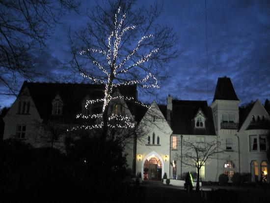 Glen-yr-Afon House Hotel: Winter evening