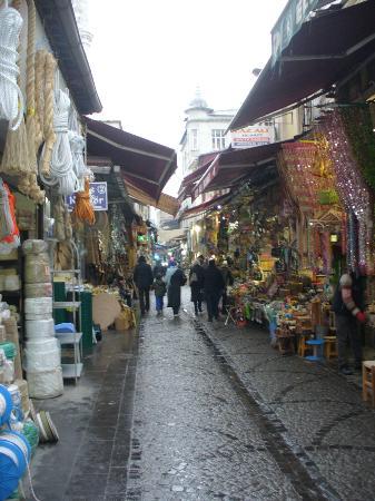 Cagaloglu: Botteghe ed artigianato nel quartiere.