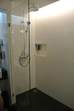 CityPoint Hotel: Comes with rain shower