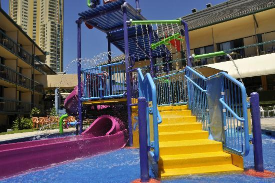 Paradise Resort Gold Coast: Small water playground