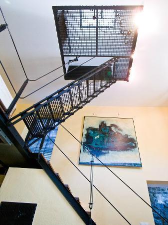 Hotel Trafohaus: Innenansicht Turmtreppe