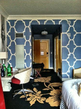 Kimpton Hotel Monaco Philadelphia: My birthday celebration room!!