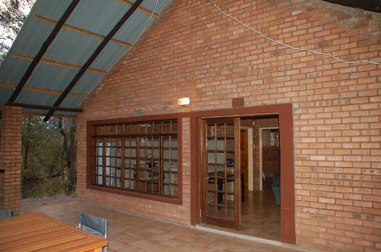 Kwa Nokeng Lodge: Family Chalet