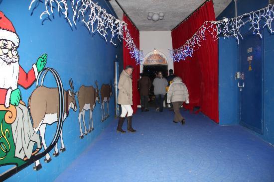 Rochers-de-Naye Yurts : Accès au domaine du Père Noël