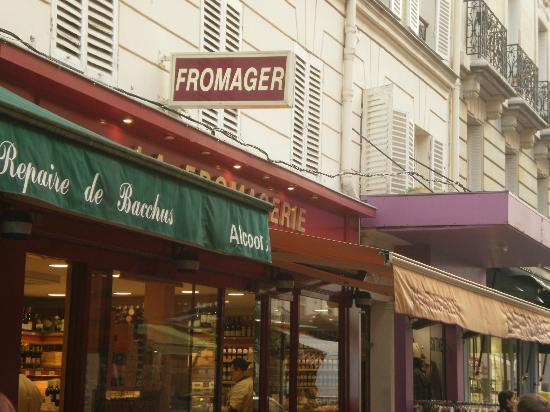 Rue Cler: Cheese Monger