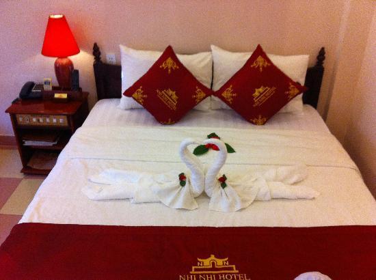 Nhi Nhi Hotel: chambre