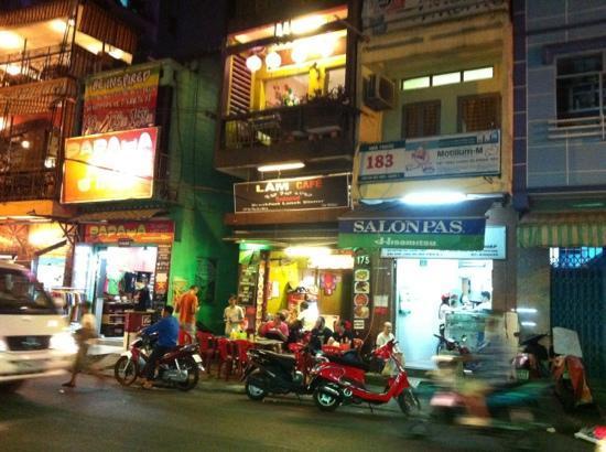 Chi S Cafe On De Tham St