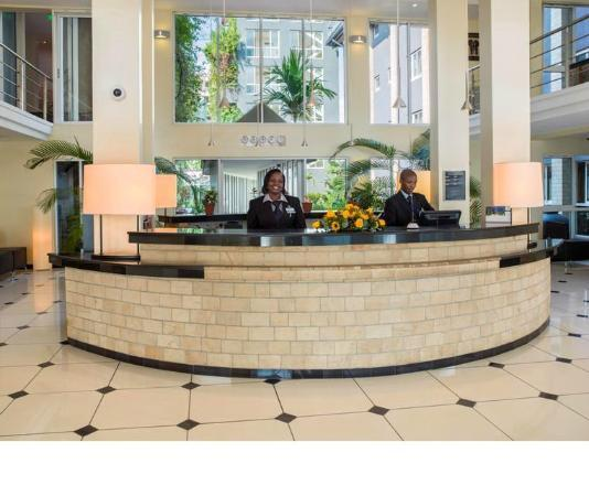 Town Lodge Upper Hill Nairobi: Country Lodge Front Desk