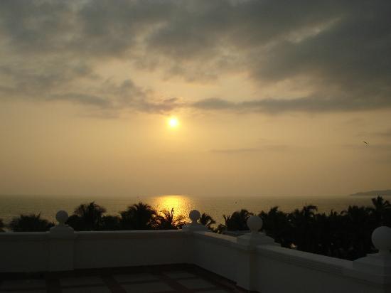 ريو بالاس باسيفيكو أول إنكلوسيف: Sunset