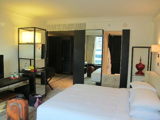 Grand Hyatt Erawan Bangkok: Room